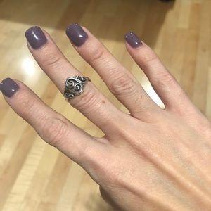 Spanish swirl ring